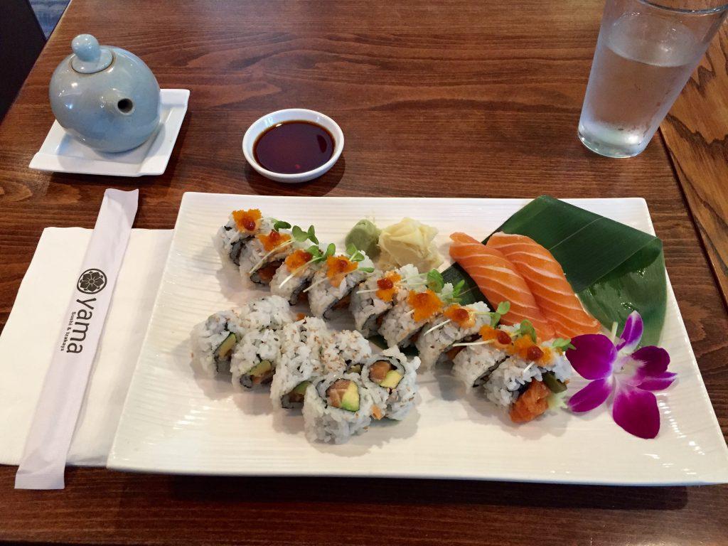 Mittagessen in der Yama Sushi & Sake Bar