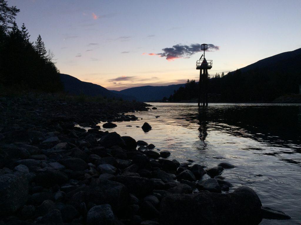 Abenddämmerung am Kootenay Lake